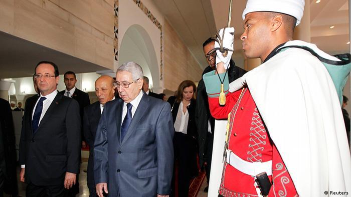 Hollande en Algeria.