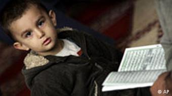 Muslime in London Junge und Koran