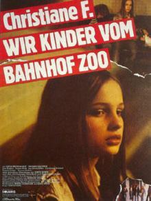 Filmplakat zur Verfilmung der Autobiografie der Berliner Drogensüchtigen Christiane F., die 1982 unter dem Titel Wir Kinder vom Bahnhof Zoo erschien.