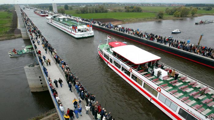 أجمل جسور ألمانيا وأغربها 0,,16473117_303,00
