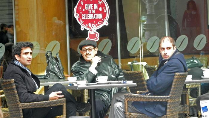 Men in a Café in Hamra/West Beirut Foto DW/Mona Naggar