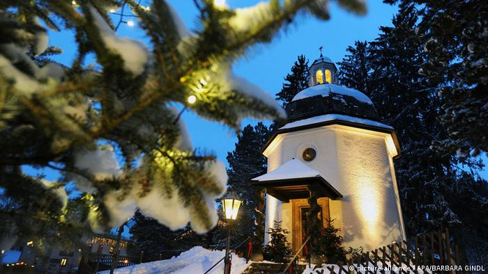 Stille Nacht Kapelle in Oberndorf bei Salzburg (picture-alliance / APA/BARBARA GINDL)
