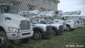 وسایل و ماشینری زیادی برای بازسازی بند کجکی ارسال شده اند.