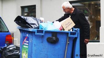 Εικόνες κρίσης στους αθηναϊκούς δρόμους