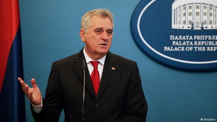 Serbian President Tomislav Nikolic speaks during a news conference in Banja Luka December 26, 2012. REUTERS/Dado Ruvic (BOSNIA AND HERZEGOVINA - Tags: POLITICS)