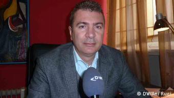 Albanien Damian Gjiknuri (DW/Ani Ruci)
