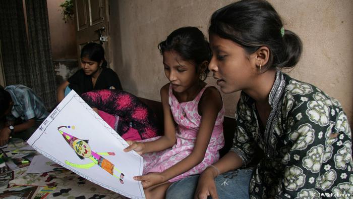 Indien - Kinder von Prostituierten verlegen ihre eigene Zeitung in Muzaffarpur