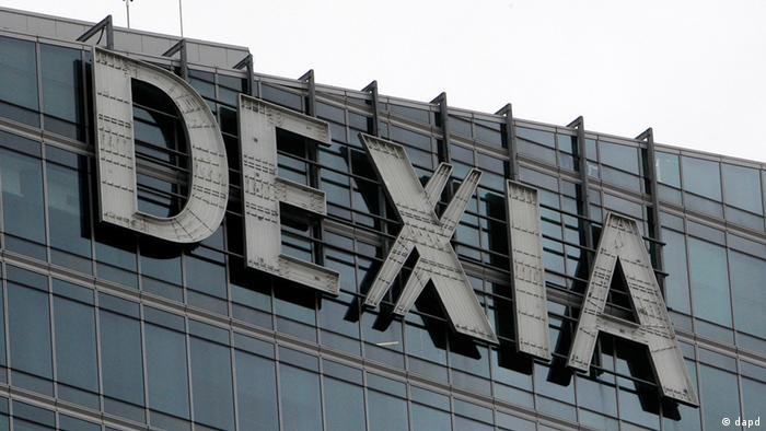 The logo of Dexia bank is seen in La Defense business district near Paris (Photo:Michel Euler/AP/dapd)