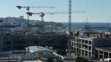 """Baustelle Marseille Bau eines Hotels/Kinos/Park Auf dem Dach des Kulturzentrums """"Le Silo"""", Marseille, Rohbau eines Einkaufszentrums mit dem Namen Terrasse du port Bild:Ursula Duplantier, 12.11.2012"""