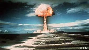 Französischer Atomtest auf dem Mururo-Atoll 1971