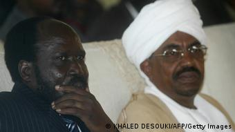 Omar al-Bashir and South Sudan President Salva Kiir. Photo: KHALED DESOUKI/AFP/Getty Images)