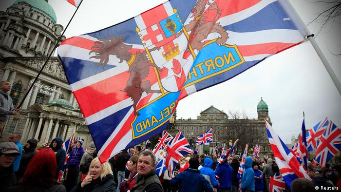 Loyalist protesters demonstrate against restrictions on flying Britain's union flag from Belfast City Hall in central Belfast January 5, 2013 (Photo: REUTERS/Cathal McNaughton)