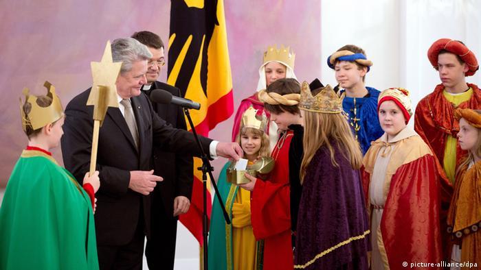 Sternsinger bei Bundespräsident Joachim Gauck - Foto: picture alliance/dpa