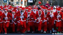 خانودههای روسی در به در به دنبال بابانوئلهای کرونازده