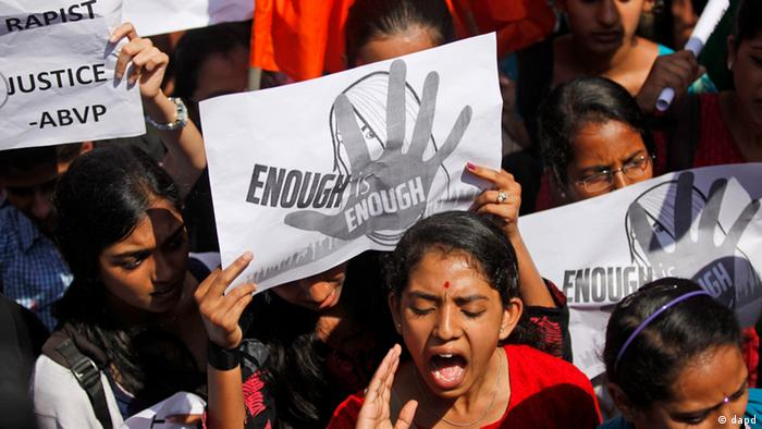 An Indian student shouts slogans seeking punishment for rapists (Foto:Aijaz Rahi/AP/dapd)