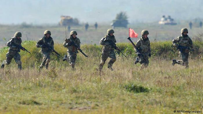 Ukraine soldiers training
