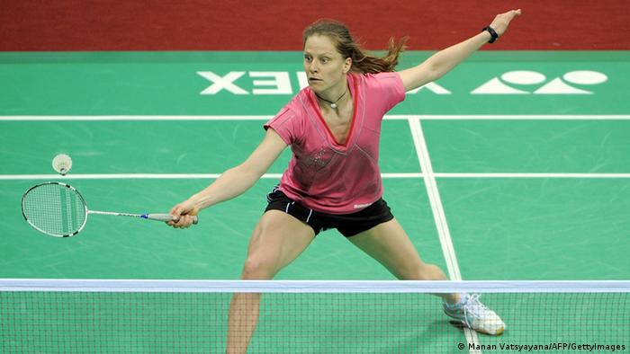 Badminton-Spielerin Juliane Schenk in Aktion (Foto: MANAN VATSYAYANA/AFP/GettyImages)