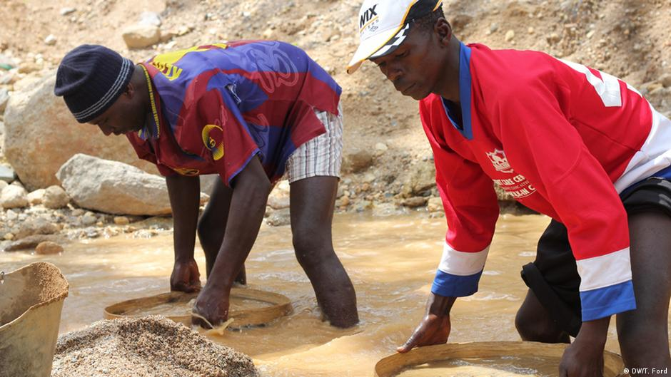 Miners sifting for diamonds