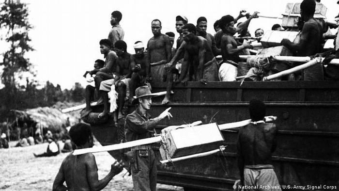 Afrikanische Kolonialsoldaten beim Winterfeldzug in Nordfrankreich 1944 (Foto: National Archives, U.S. Army Signal Corps)