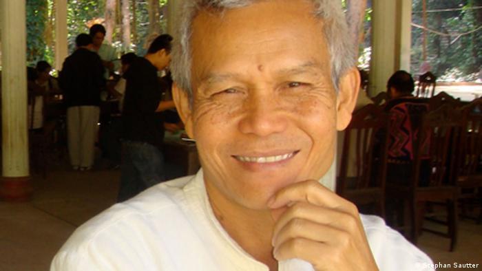 Sombath Somphone, laotischer Menschenrechtsaktivist und Gründer der NGO Participatory Development Training Centre (PADETC) in Laos. Somphone wurde Mitte Dezember aus ungeklärten Gründen verschleppt. Er wird nach wie vor vermisst (Stand Januar 2013). Bild: Stephan Sautter, zugeliefert von Charlotte Hauswedell