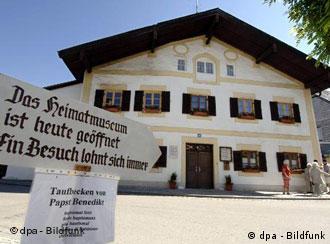 La casa natal de Joseph Ratzinger es el epicentro turístico de Marktl.