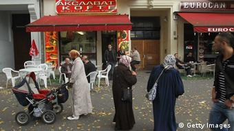 Muslimische Frauen in Berlin-Kreuzberg (Photo by Sean Gallup/Getty Images)