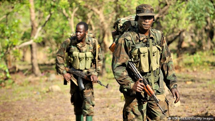 Ugandan soldiers on patrol (Photo:/AFP/Getty Images/DW)