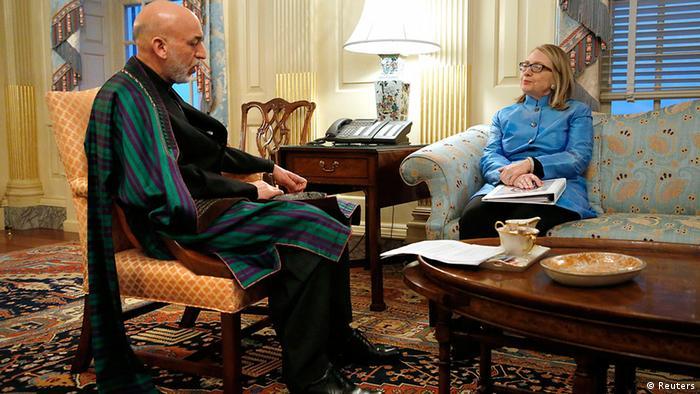 USA Afghanistan Präsident Hamid Karsai in Washington bei Hillary Clinton