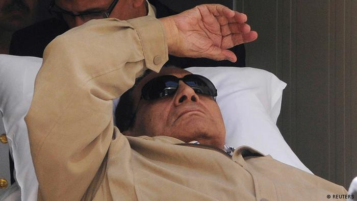 Former Egyptian President Hosni Mubarak is wheeled out of a courtroom after his trial in Cairo in this June 2, 2012 file photo. (Photo via Reuters)