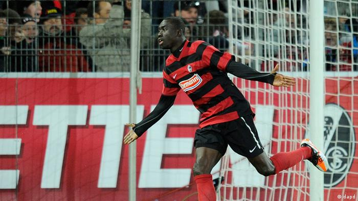 Papiss Demba Cisse celebrates a goal for Freibug against Hannover (03.12.11) Photo: Daniel Kopatsch/dapd.