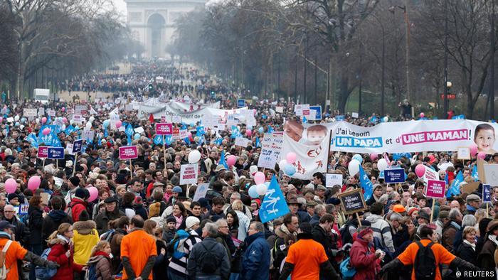 تظاهرات در پاریس علیه حق ازدواج همجنسگرایان
