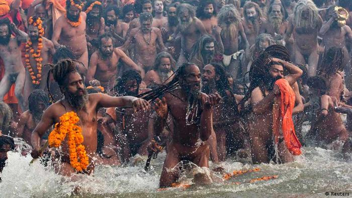 Naga sadhus or Hindu holy men attend grand bath REUTERS/Ahmad Masood (INDIA - Tags: RELIGION SOCIETY) TEMPLATE OUT