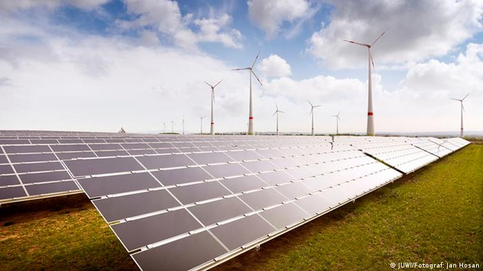 Wind und PV-Anlage in Wörrstadt, Deutschland (Foto: JUWI/Jan Hosan)
