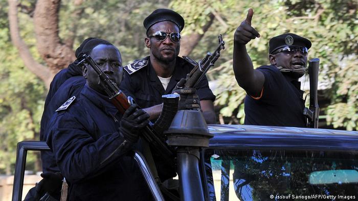 Malian police patrol in Bamako (Photo: AFP PHOTO / ISSOUF SANOGO)