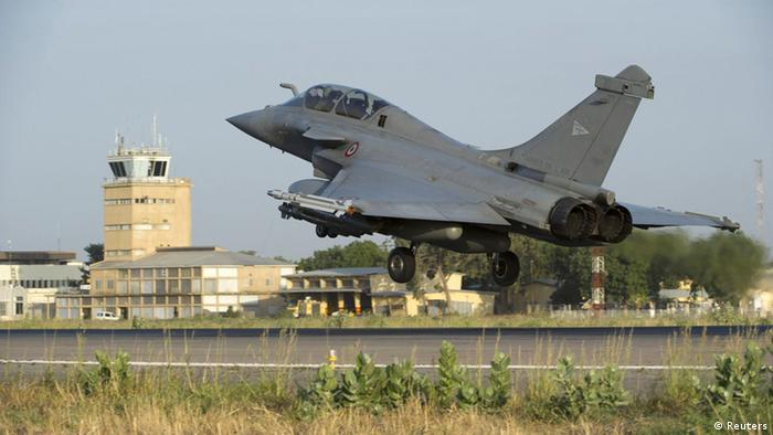 A French Rafale fighter jet lands in Ndjamena, Chad, before being deployed in Mali, in this picture provided by the French Military Communications Audiovisual office (ECPAD) and taken on January 13, 2013. Al Qaeda-linked Islamist rebels in Mali launched a counter-offensive on Monday after three days of strikes by French fighter jets on their strongholds in the desert north, vowing to drag France into a long and brutal ground war. Photo taken January 13, 2013. Mandatory Credit. REUTERS/Adj. Nicolas-Nelson Richard/ECPAD/Handout (FRANCE - Tags: MILITARY POLITICS TRANSPORT) ATTENTION EDITORS - THIS IMAGE WAS PROVIDED BY A THIRD PARTY THIS PICTURE IS DISTRIBUTED EXACTLY AS RECEIVED BY REUTERS AS A SERVICE TO CLIENTS. NO SALES. NO ARCHIVES. FOR EDITORIAL USE ONLY. NOT FOR SALE FOR MARKETING OR ADVERTISING CAMPAIGNS. THIS IMAGE HAS BEEN SUPPLIED BY A THIRD PARTY. IT IS DISTRIBUTED, EXACTLY AS RECEIVED BY REUTERS, AS A SERVICE TO CLIENTS. MANDATORY CREDIT