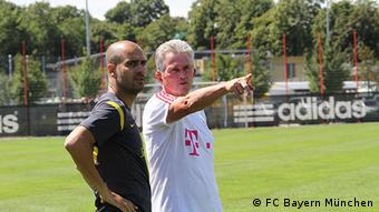 An official Bayern Munich photo showing Josep Guardiola and Jupp Heynckes together