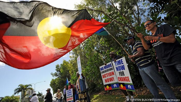 Australien Flagge der Aborigines (Foto: TORSTEN BLACKWOOD/AFP/Getty Images)