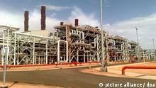 epa03540762 An undated handout photograph released by the British Petroleum (BP) company on 16 January 2013 shows the gas facility in Amenas, some 1300 km southeast Algiers, Algeria. Reports on 17 January 2013 state 34 hostages were killed and 26 freed during an attack by the Algerian military on the site where Islamist gunmen were holding a group hostage, France Info radio reported. EPA/BRITISH PETROLEUM / HANDOUT HANDOUT EDITORIAL USE ONLY/NO SALES +++(c) dpa - Bildfunk+++