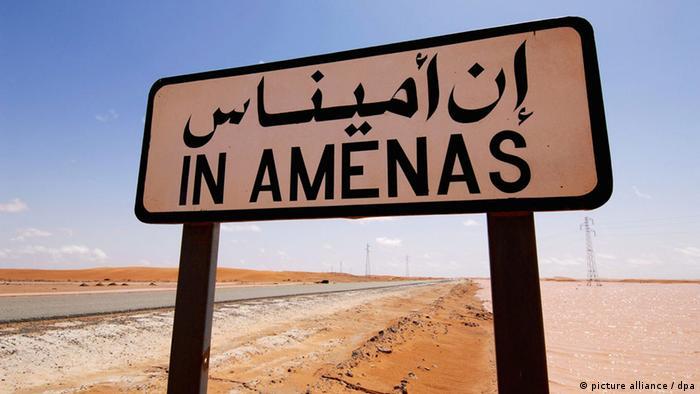 Hinweisschild auf die Gasförderanlage In Amenas im Osten Algeriens (Foto: dpa)