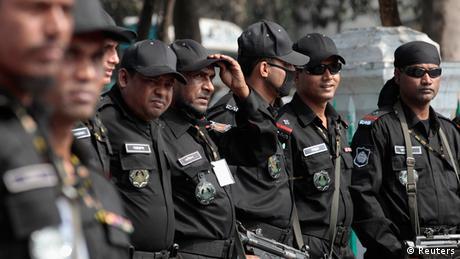 Kriegsverbrechertribunal verurteilt Abul Kalam Azad zum Tode