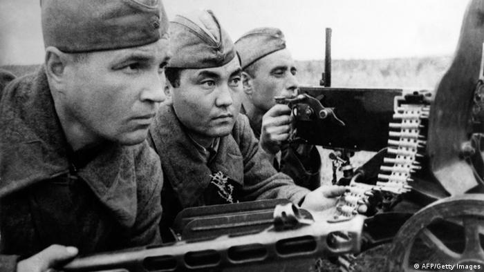 Бойцы Красной Армии. Сталинград, 1942 год