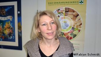 Bildüberschrift: Isabell Keller Deutsche Gesellschaft für Ernährung<br /><br /><br /><br /> Bildbeschreibung: Isabell Keller, Pressesprecherin der Deutschen Gesellschaft für Ernährung (DGE) in Bonn (Foto: Fabian Schmidt)<br /><br /><br /><br /> Dieses Foto habe ich am 22.01.2013 in Bonn bei der Deutschen Gesellschaft für Ernährung selbst aufgenommen, Fabian Schmidt.