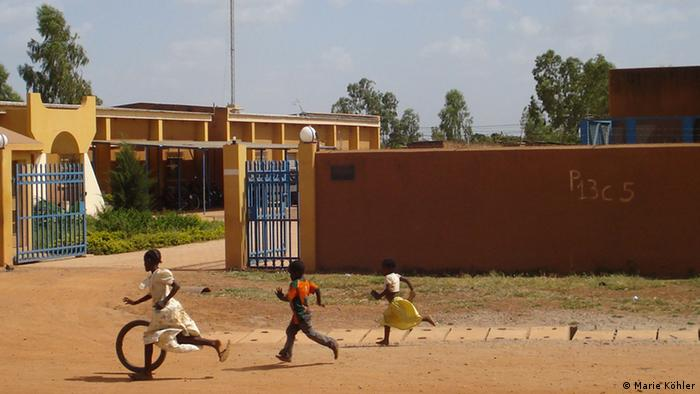 Children in the street in Burkina Faso Photo: Marie Köhler