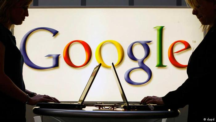 Google laptop logo (ddp images/AP Photo/Jens Meyer)