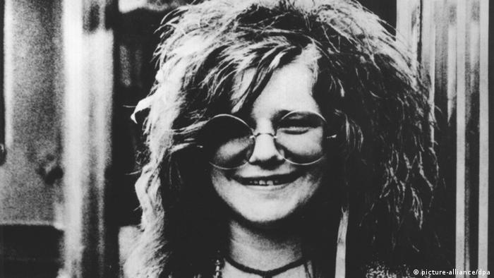 Janis Joplin Porträt wearing glasses (picture-alliance/dpa)