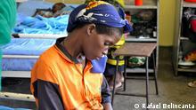 Aids Malawi Ort: Malawi Datum: Januar 2013 Titel Frau und Aidskrankes Kind Autor: Rafael Belincanta Honorar : Nein