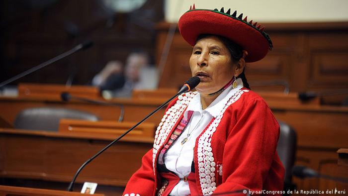Hilaria Supa, congresista peruana y parlamentaria andina. (2011-2016).