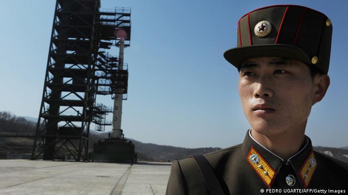 Nordkoreanischer Soldat auf Militärbasis