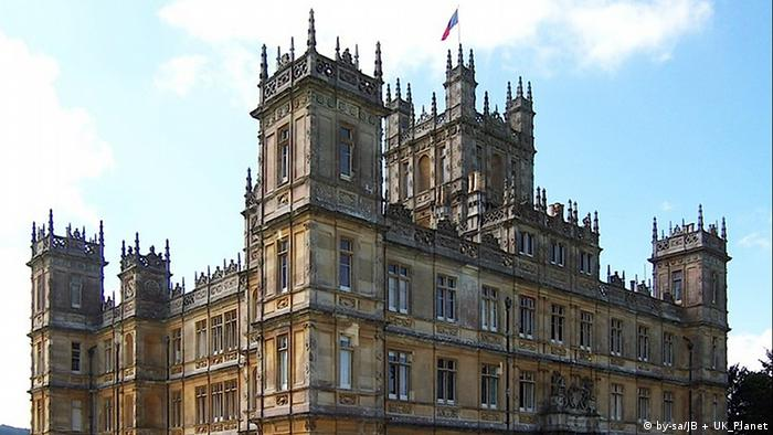 Highclere Castle aus der Serie Downton Abbey. Quelle: http://commons.wikimedia.org/wiki/File:Highclere_Castle.jpg