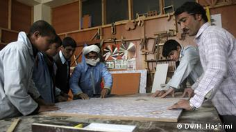 Trainees in a carpentry class (Photo: DW)